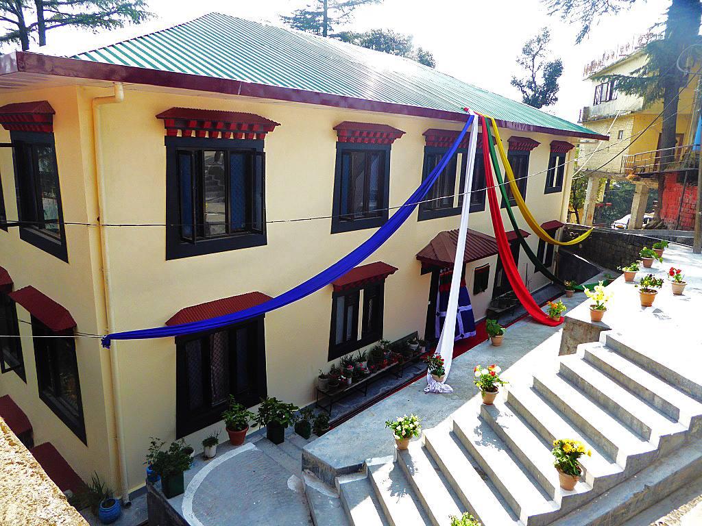 Girls Hostel geschmückt Eröffnung Feierlichkeit