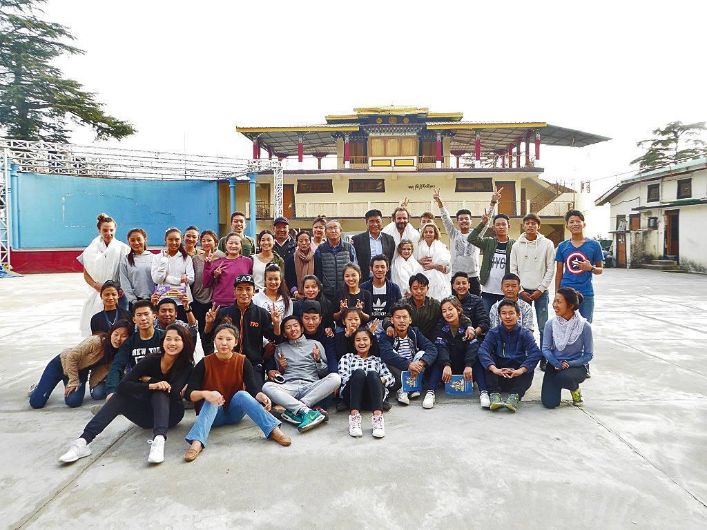 Studenten Tibetan Institute of Performing Arts Indien
