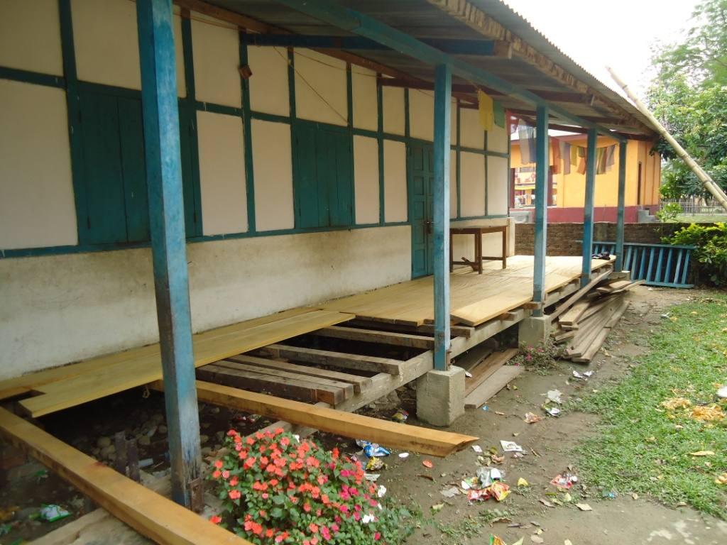 Terrasse der Zahnklinik inMiao