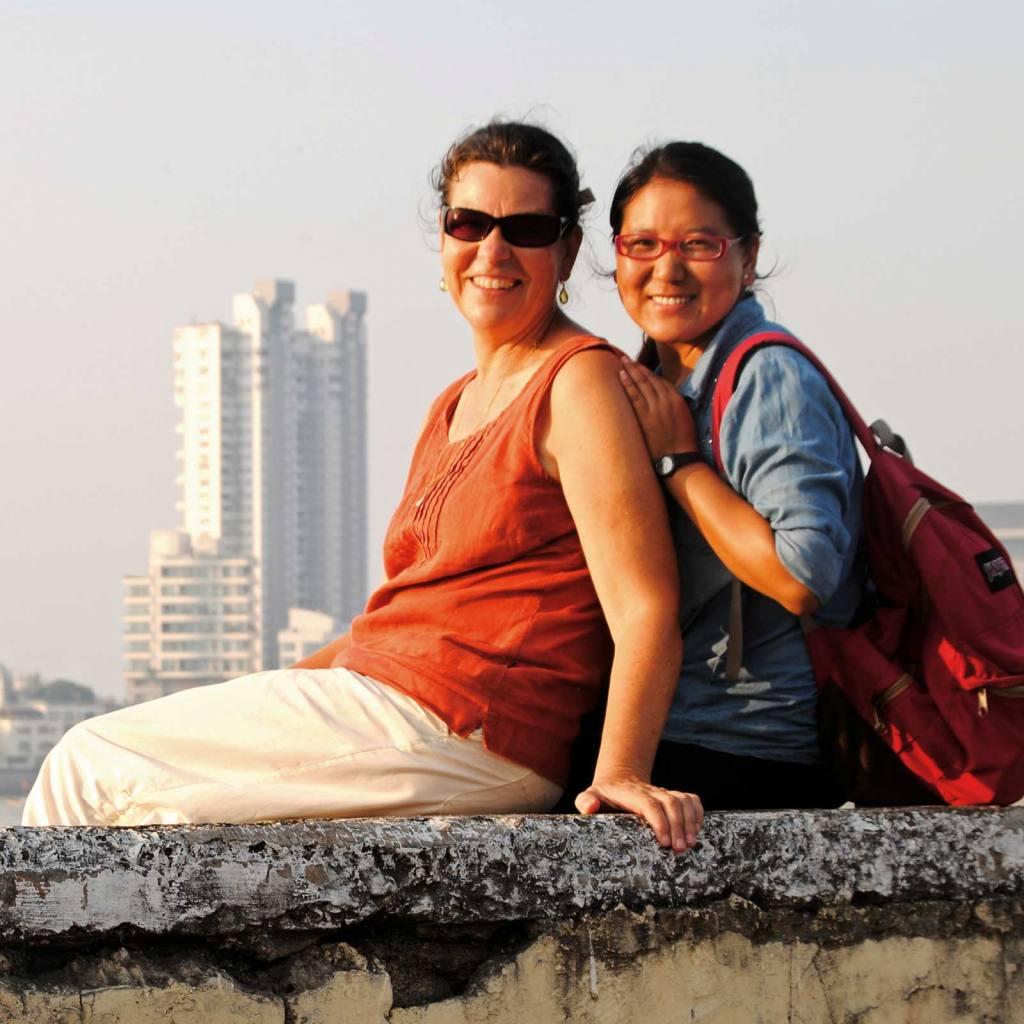 Dolkar Sangmo mit Ihrer Patenmutter Sonja Wanner
