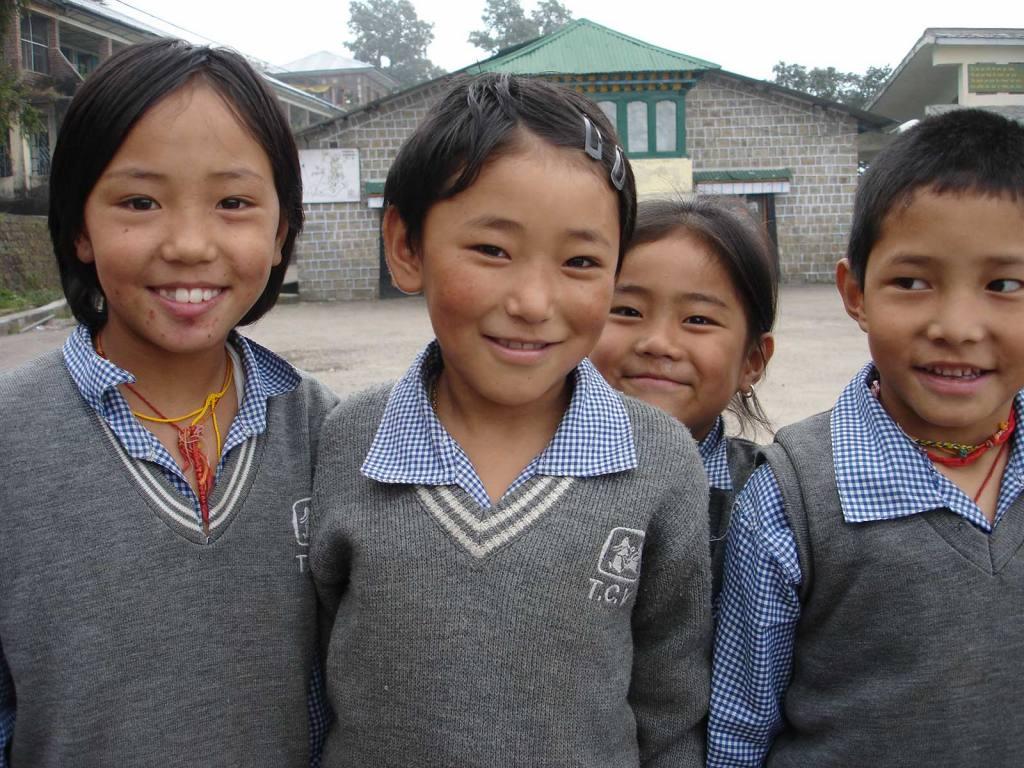 Schulkinder im Kinderdorf